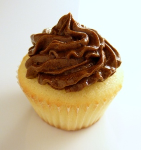 Mini Cupcake with Chocolate Mousse Buttercream